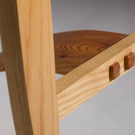 larch-chair-detail