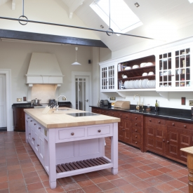 Solid wood kitchen with contrasting colours